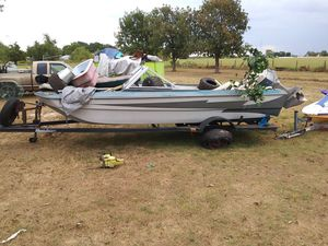 16 foot fiberglass and aluminum boat with Evinrude 88 Spl motor for Sale in Hockley, TX
