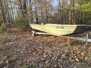 Fishing boat (Fish Master) for Sale in Dinwiddie, VA