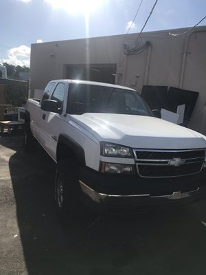 Chevy Silverado 2500hd Diesel for Sale in Davie, FL