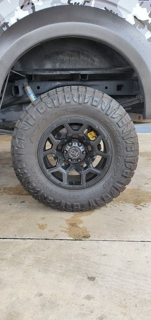 """Nittio Ridgegrappler 35"""" tires Only for Sale in North Miami Beach, FL"""