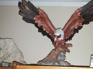 """Approx 16"""" tall Eagle in flight dtatue large 24""""wing span. for Sale in Apopka, FL"""