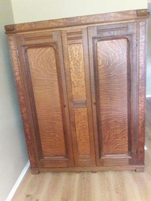 Antique armoire for Sale in Pompano Beach, FL