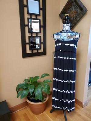 CALVIN KLEIN BLACK AND WHITE SLEEVELESS MAXI DRESS! for Sale in Taunton, MA