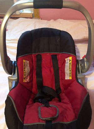 Baby Trend Car seat. for Sale in Philadelphia, PA