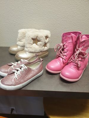 Girls size 10 Pepa pig boots and other shoes size 9.5 for Sale in San Diego, CA