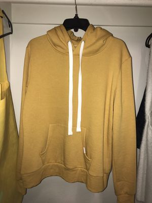 BRAND NEW Q Brand Yellow Large Hoodie for Sale in Los Angeles, CA