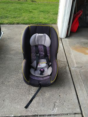 Evenflo children's car seat for Sale in University Heights, OH