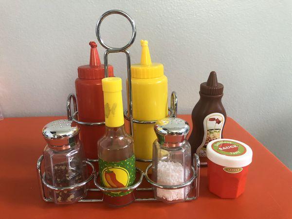 Girl's kitchen set