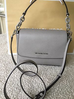 Authentic Michael kors crossbody for Sale in Tacoma, WA