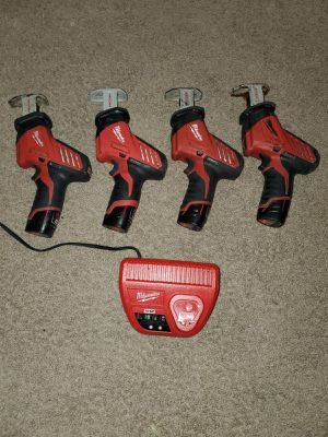 Saw salls Milwaukee m12 los 4 por este precio for Sale in Alexandria, VA