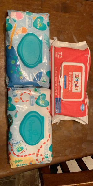 Pamper wipes and kidgets wipes for Sale in Tucson, AZ
