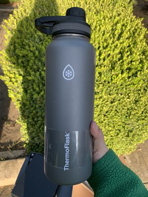 Thermoflask 40oz water bottle for Sale in San Francisco, CA