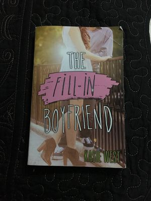 The fill in boyfriend By kasie west for Sale in Houston, TX