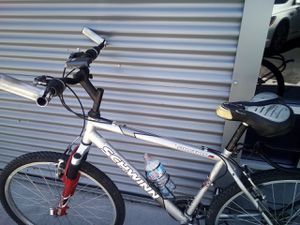 Schwinn 18 Speed Mountain Bike for Sale in Las Vegas, NV