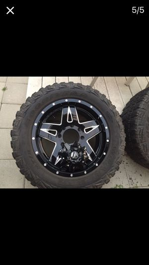 """20"""" Fuel wheels with 33"""" tires for Sale in Wenatchee, WA"""