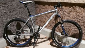 Diamondback hydraulic disc brakes bike for Sale in Tacoma, WA