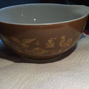 Vintage Early American pattern Pyrex for Sale in Knightdale, NC