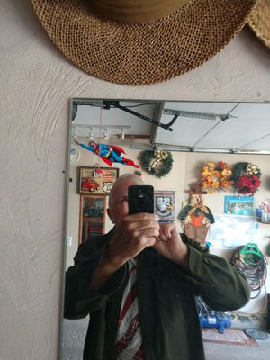 """Wall mirror 4'x5' 3/8"""" thick for Sale in Reynoldsburg, OH"""