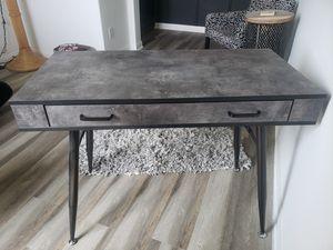 Desk for Sale in Menifee, CA