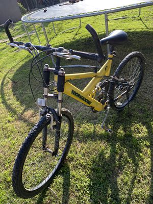 Mongoose mountain bike 26in for Sale in Madera, CA