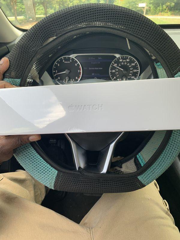 Series 4 Apple 400 brand new
