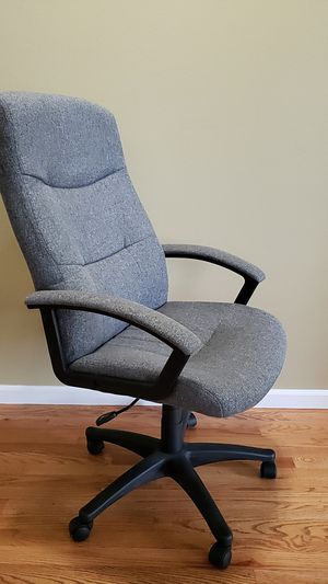 Comfortable desk chair for Sale in Puyallup, WA