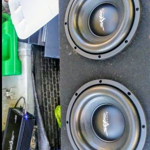 Two/dual Skar 10 inch subwoofers sdr Brand New 2400 watts 1200 rms + with + A Skar 1200 Watt amplifier for Sale in Chesapeake, VA