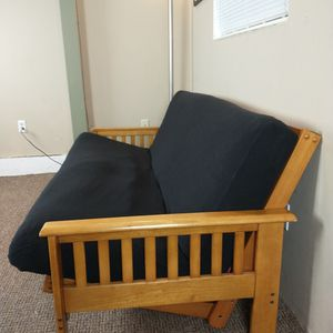 BEAUTIFUL Futon (FREE DELIVERY) for Sale in Kirkland, WA