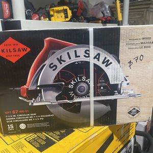 SKILSAW 15 Amp Corded Electric 7-1/4 in. Circular Saw with 24-Tooth SKILSAW Carbide Blade for Sale in Los Angeles, CA