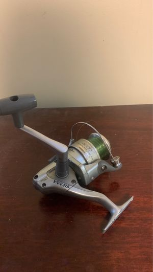 Shimano Sienna 4000 for Sale in Seattle, WA