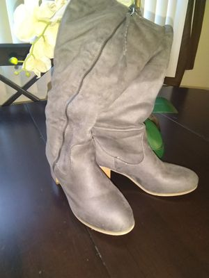 gray thigh-high boots very comfortable walkable warm in the inside size 8 with a 2-inch heel for Sale in Spring City, PA