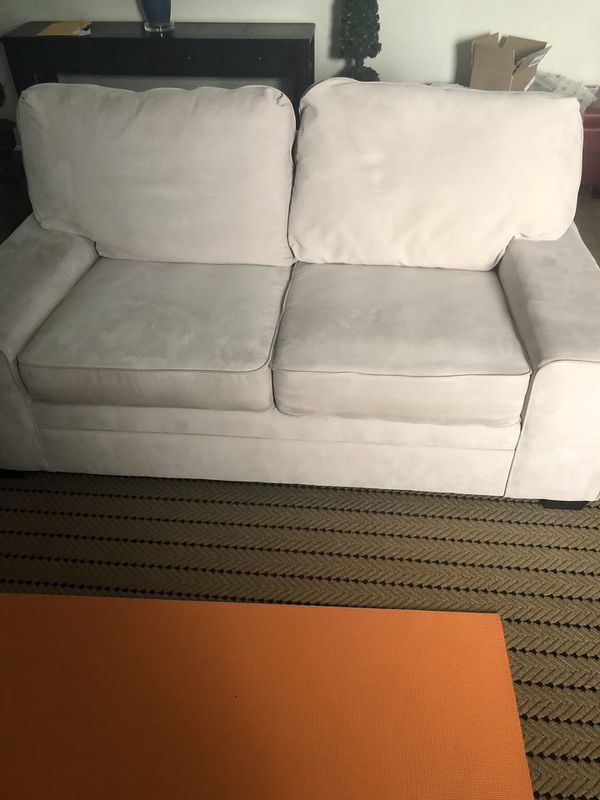 Great condition beige couch