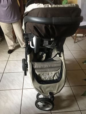Cuna -coche -car seat -baranda for Sale in Doral, FL