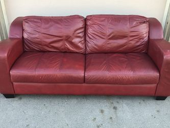 Red Leather Couch for Sale in Moreno Valley,  CA