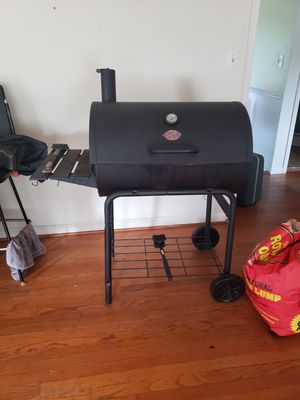 Charcoal grill + cover for Sale in Raleigh, NC