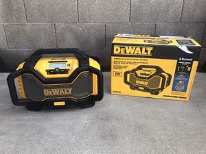 DEWALT 20-Volt MAX or FLEXVOLT 60-Volt MAX Lithium-Ion Bluetooth Radio with built-in Charger for Sale in Phoenix, AZ