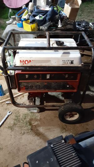 Honda 4000 generator for Sale in Bakersfield, CA