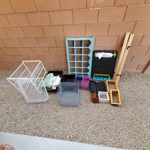 Wall shelve, drawer,baskets, kids toys for Sale in North Las Vegas, NV