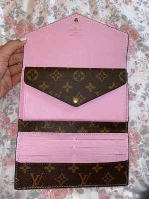 Pink Designer Wallet 💗 for Sale in Miami, FL