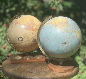VTG Globe Lighted w/ 3 meters c. 1980's for Sale in Middletown, CT
