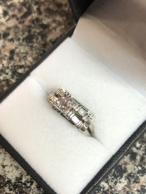 Women's platinum engagement ring for Sale in San Angelo, TX