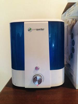 Diffuser + Humidifier with 90 hr capacity like new for Sale in Schaumburg, IL