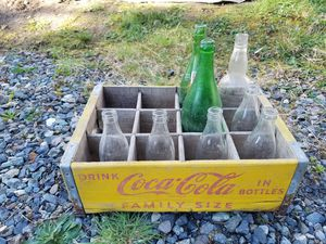 Antique Coca-Cola box with all bottles for Sale in Bothell, WA