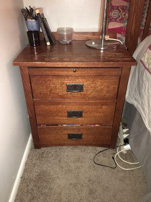 Basset Furniture bedroom nightstand/endtable set for Sale in Salt Lake City, UT