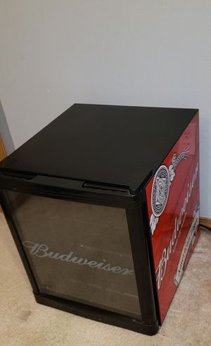 "Budweiser "" king of Beers"" Mini Fridge ( Mint condition cools very well ) for Sale in Olympia, WA"