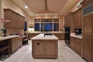 Luxury Kitchen MUST SELL! Great deal for a great cause....... for Sale in Phoenix, AZ