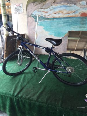 "Bike aluminum frame 21 speed 26"" schwinn for Sale in Orlando, FL"