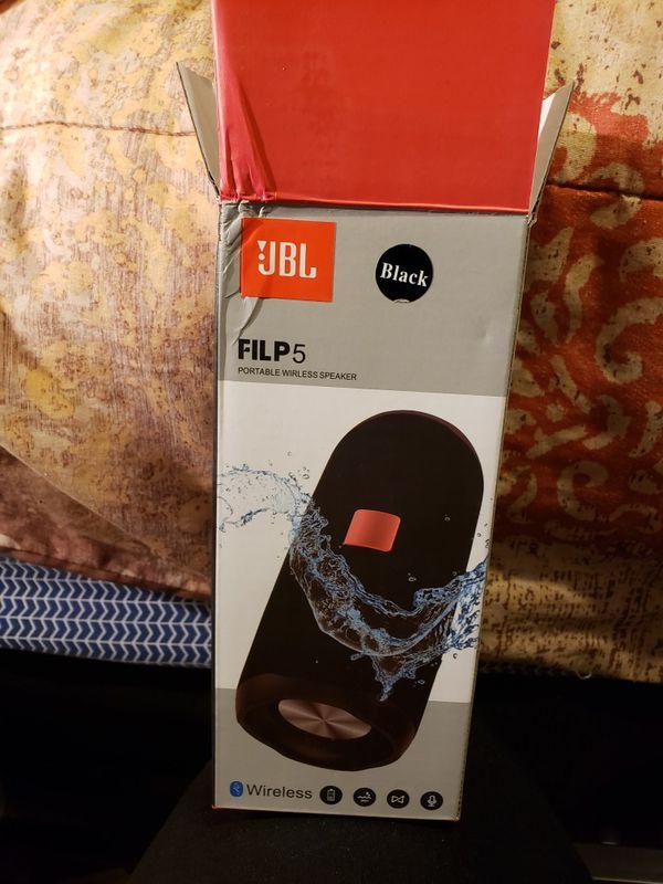 Flip 5 Bluetooth speaker and waterproof