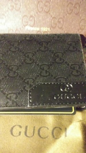 Gucci wallet for Sale in Willow Springs, IL