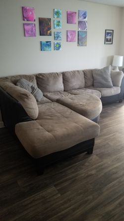 Pull out sleeper sectional for Sale in Palm Harbor,  FL
